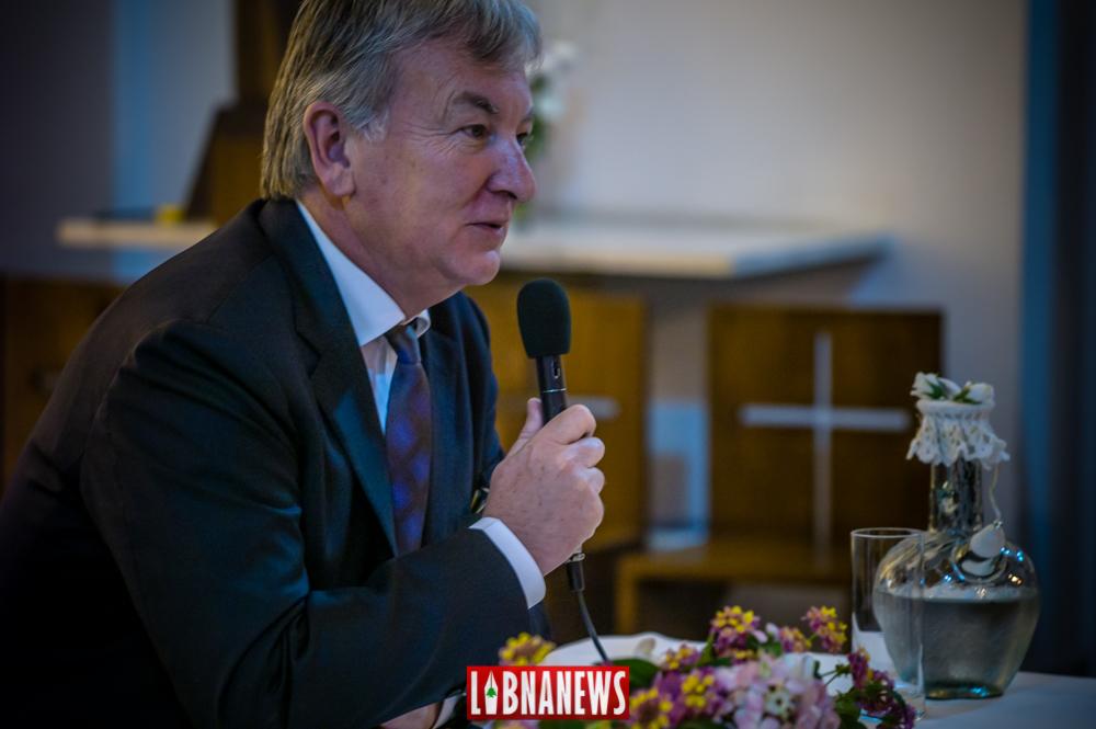 L'ancien Ambassadeur de France Denis Pietton lors d'une conférence en 2010. Crédit Photo: François el Bacha pour Libnanews.com. Tous droits réservés.
