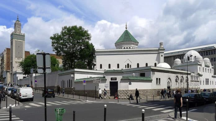 La Grande Mosquée de Paris. Source Photo: Wikipedia