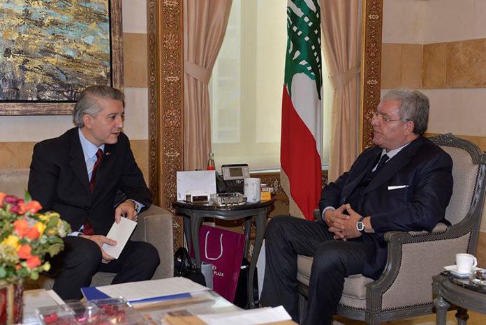 Le Ministre de l'intérieur Nouhad Machnouk, en compagnie de l'Ambassadeur de Turquie. 26/01/2018. Crédit Photo: Dalati & Nohra.