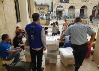 Les autorités ont débuté ce samedi, la distribution des urnes électorales pour les élections du dimanche 6 mai. Crédit Photo: NNA