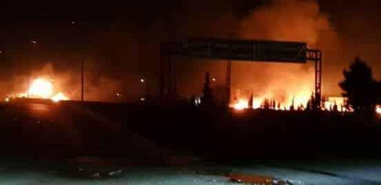 Frappes israéliennes sur la banlieue de Damas. Source Twitter.