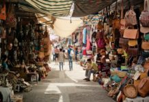 Un Souk. Source Photo: Pixabay/TheUjulala