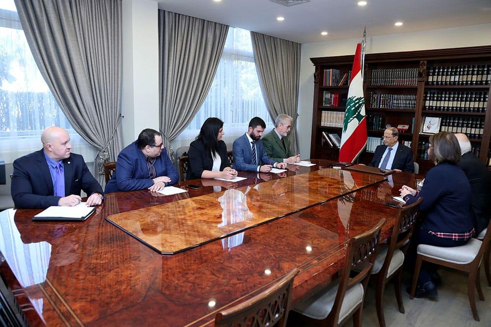 Le Président de la République en compagnie d'une délégation de journalistes russes. Crédit photo: Dalati & Nohra