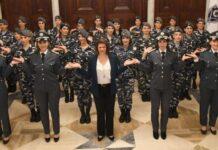 Raya Hassan avec des éléments féminins de la Gendarmerie Libanaise. Crédit Photo: Ministère de l'Intérieur