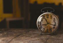 En été, on avance nos montres d'une heure. Source Photo: Pixabay