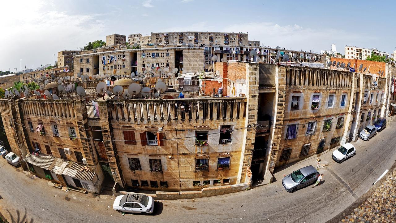 Alger. Source Photo: Pixabay.com