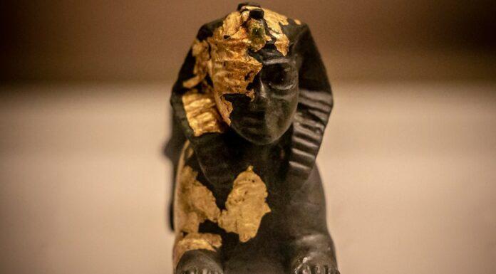 Statuette de bronze. Musée National de Beyrouth. Crédit Photo: François el Bacha pour Libnanews.com . Tous droits réservés