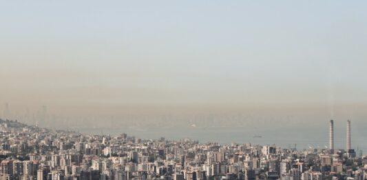 Beyrouth qui disparait sous un nuage de pollution. Crédit Photo: François el Bacha pour Libnanews.com. Tous droits réservés.