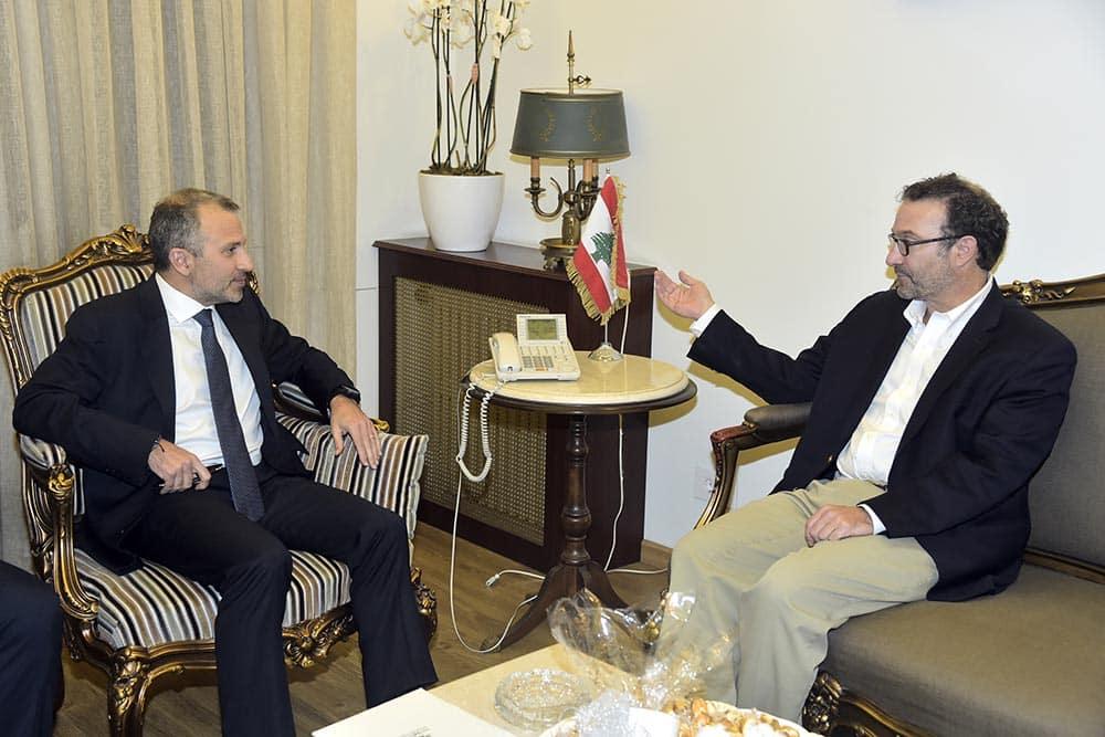 Le responsable américain David Schenker en compagnie du Ministre Libanais des AF Gébran Bassil. Crédit Photo: Dalati & Nohra