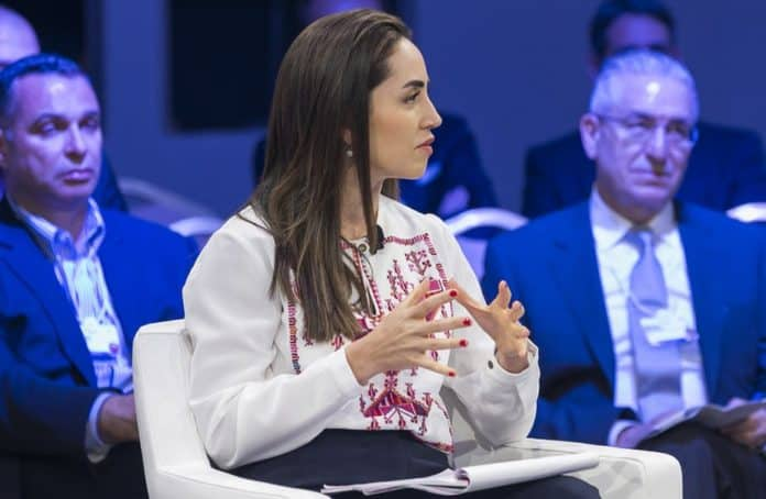 Mary Nazzal-Batayneh, avocate et entrepreneure sociale libanaise, invitée du Forum économique mondial sur la région MENA organisé en Jordanie en avril 2019. World Economic Forum / Flickr, CC BY-SA