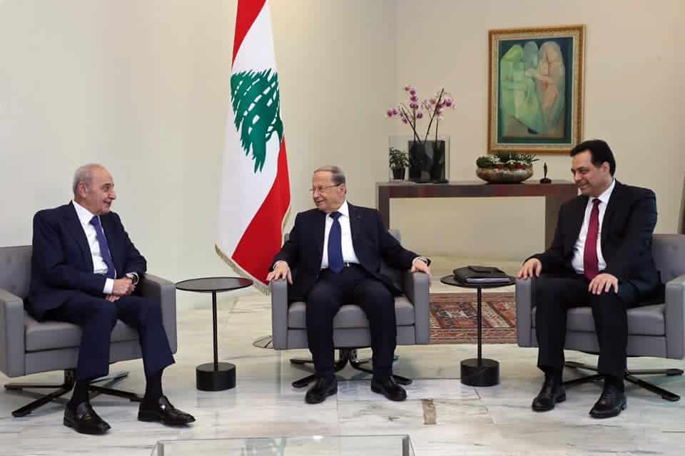 Une réunion entre le Président de la République, le Général Michel Aoun, le Président de la Chambre Nabih Berri et le Premier Ministre Hassan Diab. Crédit Photo: Dalati & Nohra