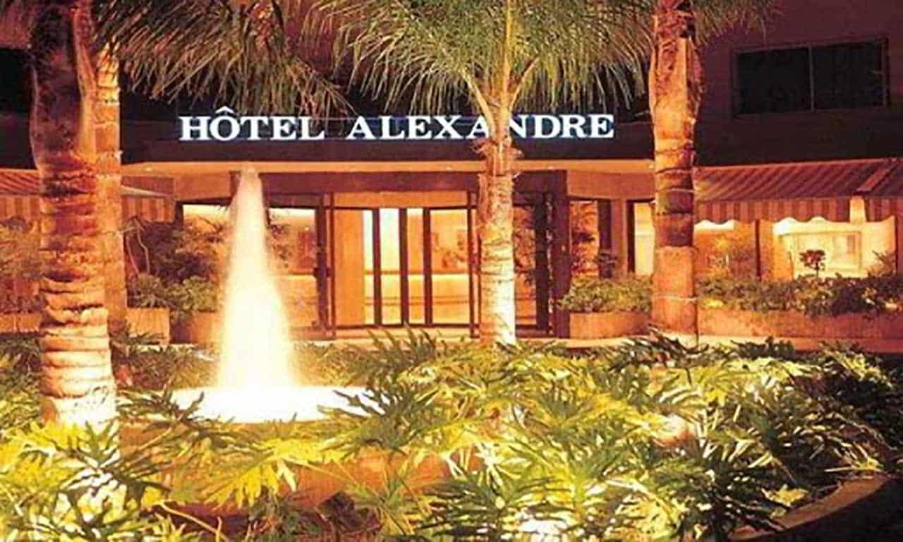 L'entrée de l'Hôtel Alexandre de Beyrouth.