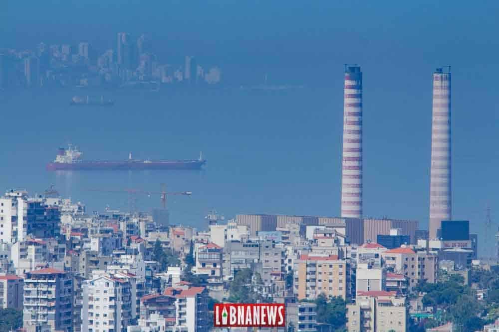 La centrale électrique de Zouk Mosbeh, des Tankers et Beyrouth. Crédit Photo: Francois el Bacha pour Libnanews.com