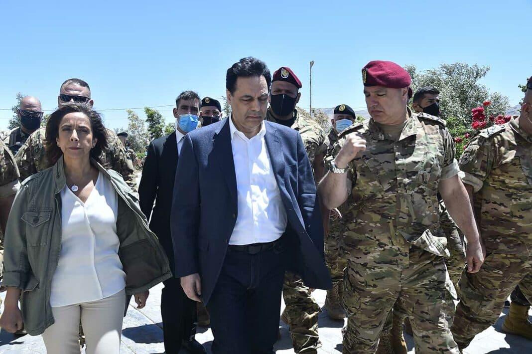 Le Premier Ministre Hassan Diab accompagné par la ministre de la Défense Zeina Akar et le commandant de l'Armée, le général Joseph Aoun à Ras Baalbeck à l'occasion de la commémoration du début de l'offensive Aube du Jurd contre Daesh. Crédit Photo: Dalati & Nohra