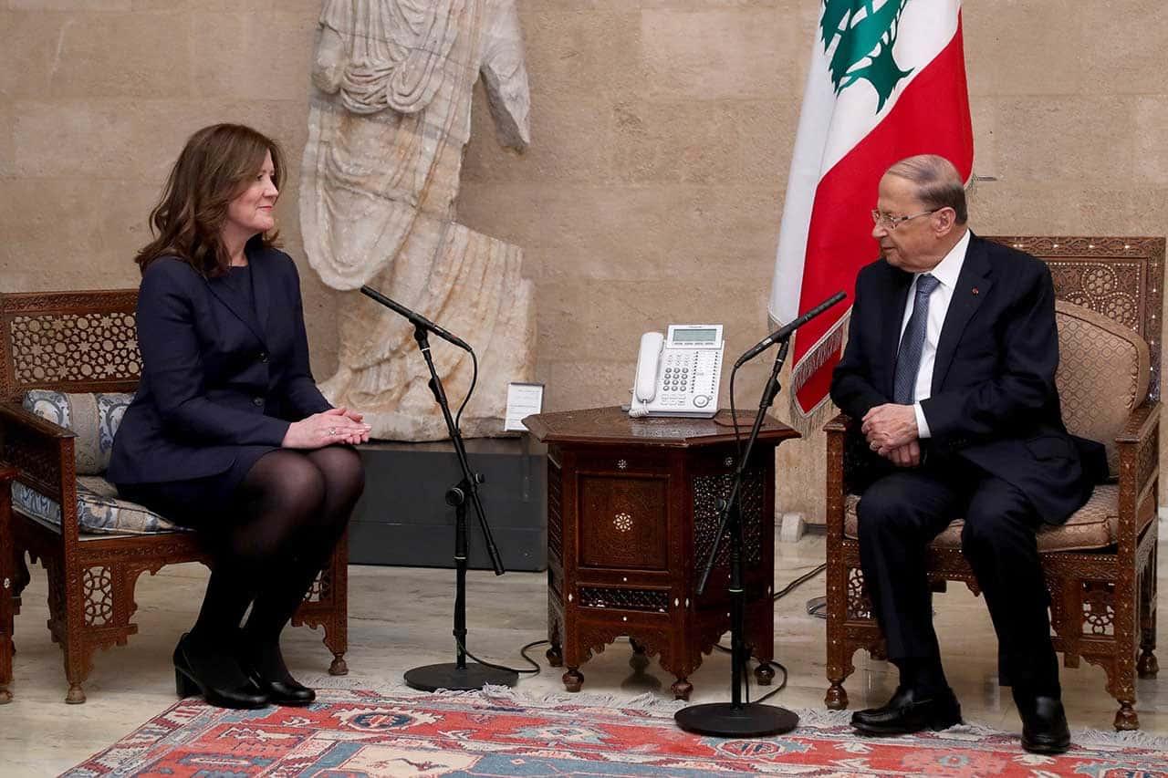 L'ambassadrice des Etats-Unis au Liban Dorothy Shea en compagnie avec le Président de la République, le Général Michel Aoun. Crédit Photo: Dalati & Nohra