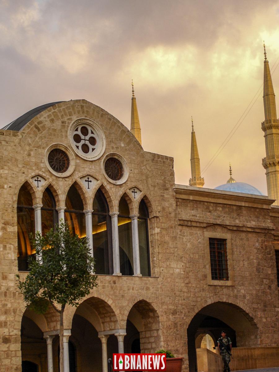 Vue sur l'église St Georges, Place de l'Etoile, Beyrouth. Crédit Photo: François el Bacha, pour Libnanews.com. Tous droits réservés.