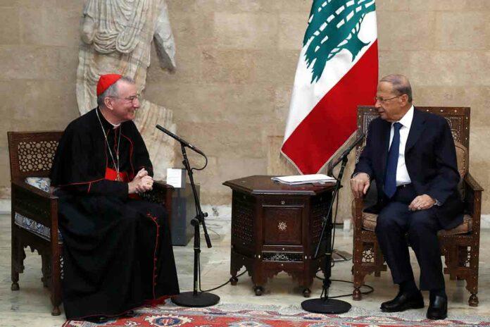 Le cardinal Pietro Parolin avec le Président de la République, le Général Michel Aoun. Crédit Photo: Dalati & Nohra