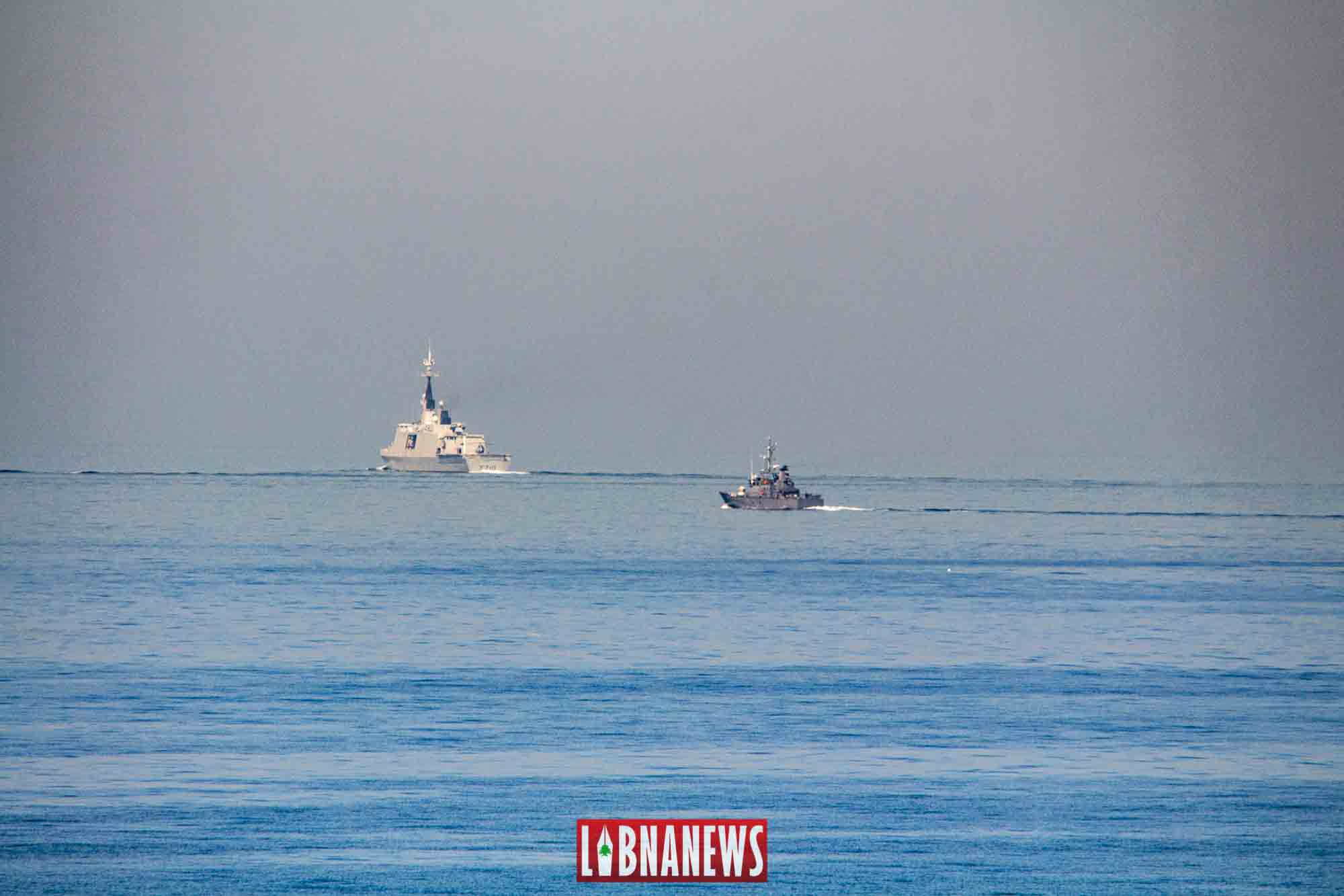 La frégate La Fayette en manoeuvre avec l'Armée Libanaise au large des côtes libanaises. Crédit Photo: François el Bacha pour Libnanews.com.