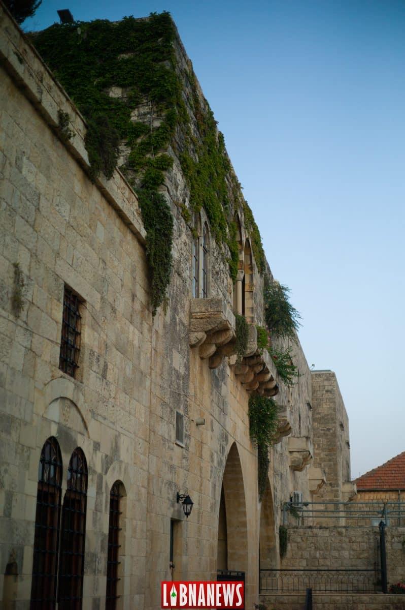 La place principale de Deir el Qamar
